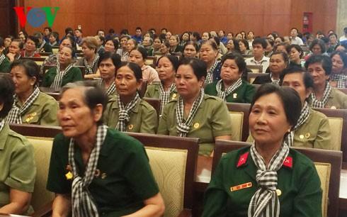 越南南方女炮兵见面会在胡志明市举行 - ảnh 1