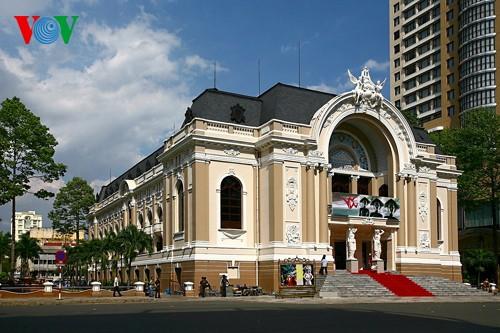 胡市的象征之一——胡志明市大剧院 - ảnh 1