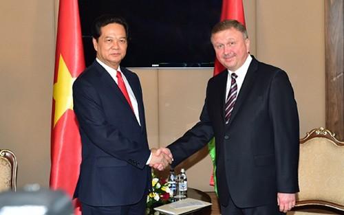 越南政府总理阮晋勇会见白俄罗斯总理科比亚科夫 - ảnh 1