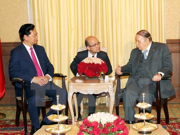 阮晋勇总理:越南希望加强与阿尔及利亚的多领域友好合作关系 - ảnh 1