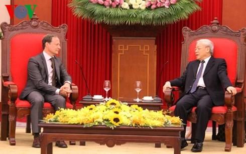 越共中央总书记阮富仲会见比利时大使布鲁诺·安格莱特 - ảnh 1