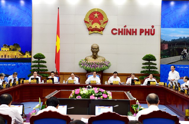 越南政府举行八月工作例会 - ảnh 1