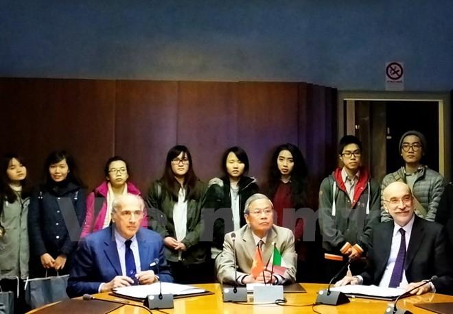 意大利高校和企业共同服务越南市场 - ảnh 1