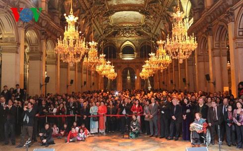 丙申春节迎春活动在巴黎市政厅举行 - ảnh 1