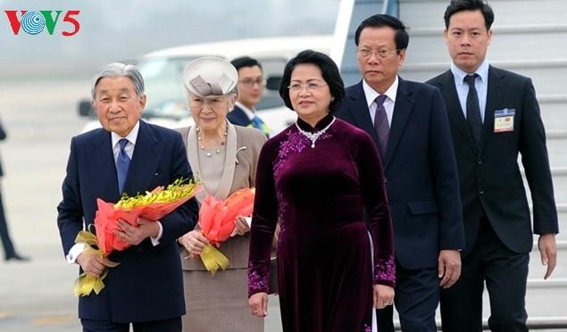 欢迎日本天皇和皇后访越的正式仪式在河内举行 - ảnh 1