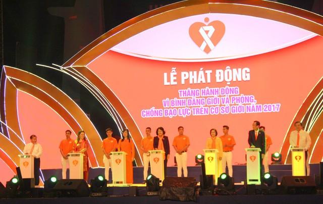 越南有关部门举行性别平等和防止暴力行动月启动仪式 - ảnh 1