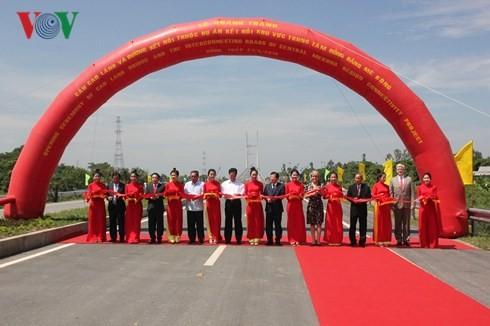 越南交通运输部举行高岭桥落成典礼 - ảnh 1