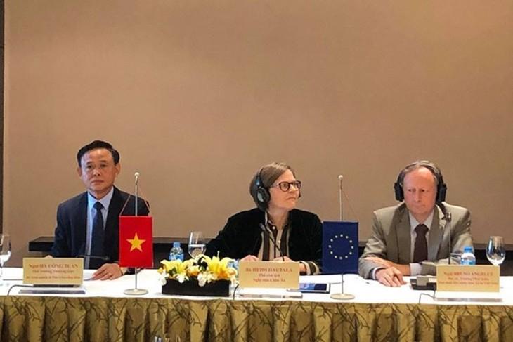 越南和欧盟面向批准打击木材非法开采协议 - ảnh 1