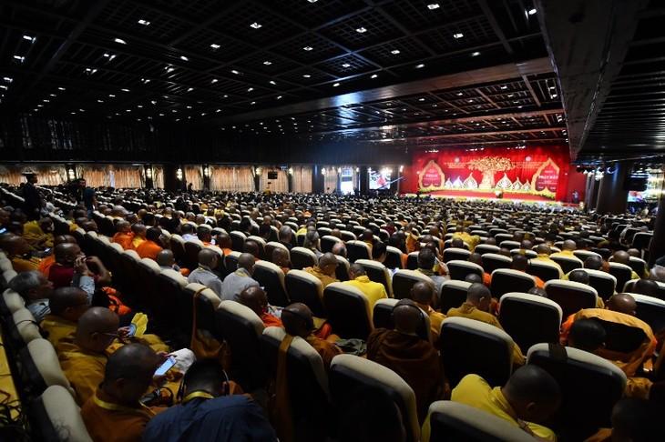越侨踊跃参加在祖国家乡举行的联合国卫塞节 - ảnh 1