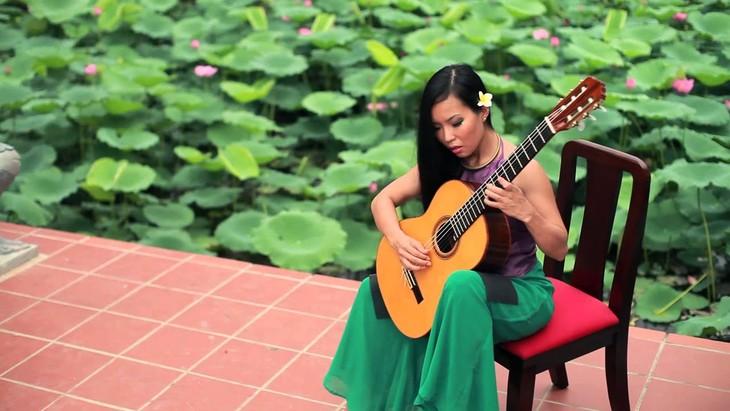 著名吉他演奏家黎秋:与吉他结缘同她诞生世间一样自然 - ảnh 2
