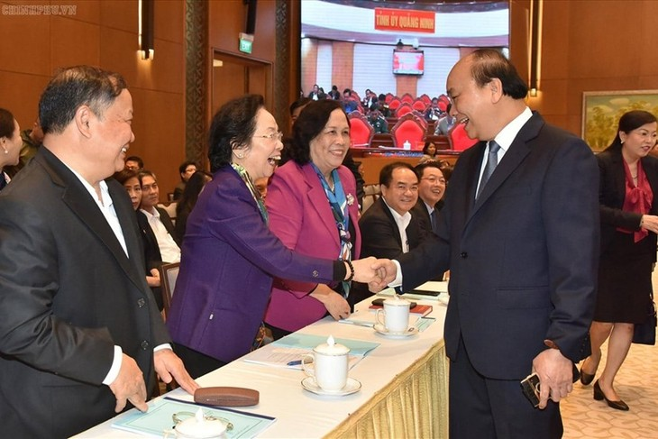 越南政府总理阮春福出席2019政府民运年总结会议  - ảnh 1