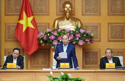 阮春福主持越共十三大经济社会小组第六次全体会议 - ảnh 1