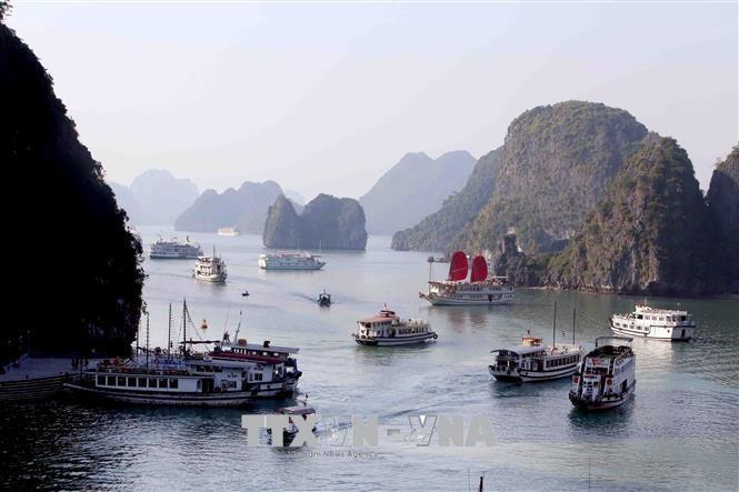 越南旅游:采取措施刺激旅游政策,广宁省接待游客120万人次 - ảnh 1