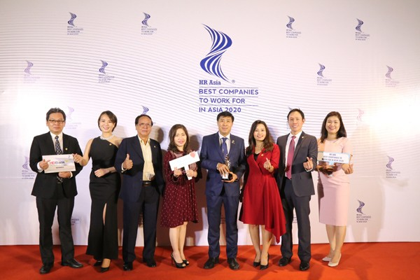 """HDBank荣获""""2020亚洲最佳企业雇主奖"""" - ảnh 1"""