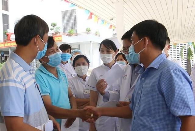 越南政府有力防控新冠肺炎疫情   努力治疗患者 - ảnh 1
