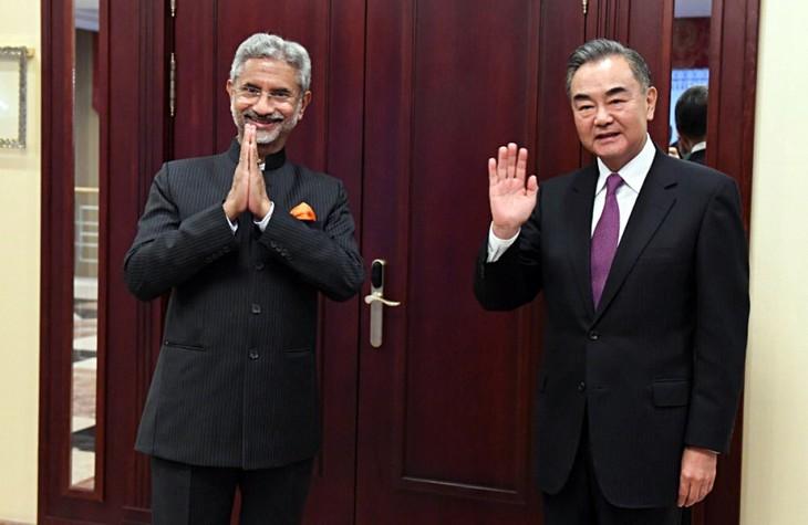 印中两国军队在达成五点共识后继续在边界会晤 - ảnh 1