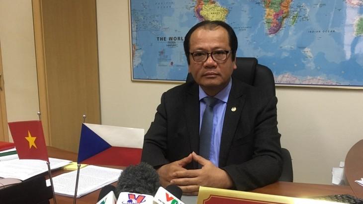 首趟直达航班将在捷克的越南公民送回国 - ảnh 1