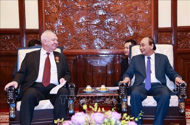 越南国家主席阮春福会见俄罗斯驻越大使弗努科夫 - ảnh 1