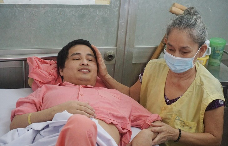 4·17世界血友病日:为血友病人及早居家治疗创造便利条件 - ảnh 1