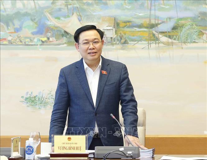 越南国会主席王庭惠在海防市第三选举单位参选第十五届国会代表 - ảnh 1