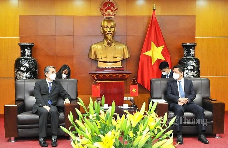 为越南和中国企业的货物进出口活动创造便利条件 - ảnh 1