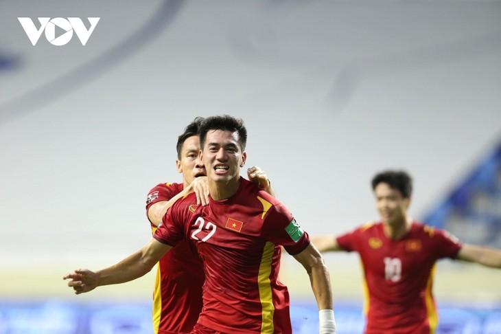 2022年卡塔尔世界杯亚洲区预选赛:越南队成功守住G组首位 - ảnh 1