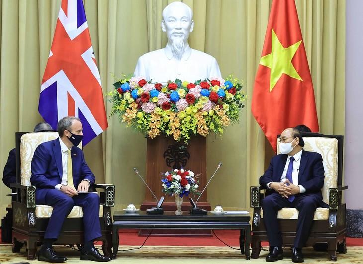 越南与英国加强各领域合作 - ảnh 1