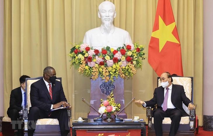 美国与越南合作克服战争后果 - ảnh 1