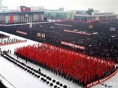 RDR Korea mengadakan parade militer untuk mengenangkan Pemimpin Kim Jong Il - ảnh 1