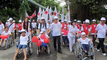 Kota Ho Chi Minh mengadakan acara gerak jalan demi korban agent oranye/dioxin - ảnh 1