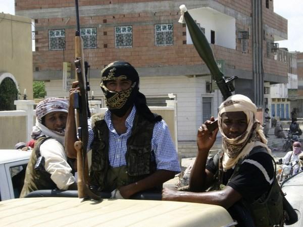 Tentara Libia berpadu tenaga merebut kembali kota-kota yang diduduki - ảnh 1