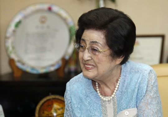 Istri mantan Almarhum Presiden Republik Korea, Kim Dae-jung berkunjung di RDR Korea - ảnh 1