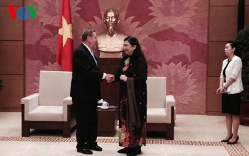 Berbagai agama hidup rukun dalam komunitas etnis-etnis Vietnam - ảnh 1