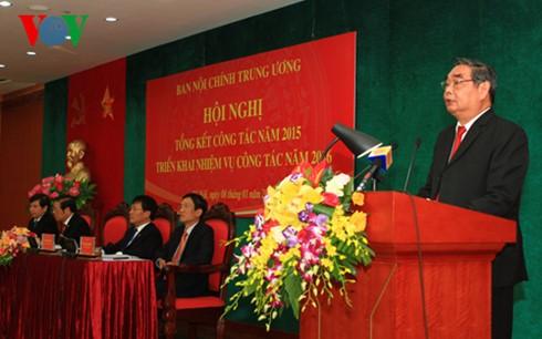 Anggota Harian Sekretariat KS PKV, Le Hong Anh menghadiri konferensi penggelaran tugas tahun 2016 dari Departemen Urusan Internal KS PKV - ảnh 1