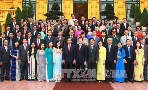 Presiden Truong Tan Sang menerima delegasi kader kabupaten Cu Chi, kota Ho Chi Minh - ảnh 1