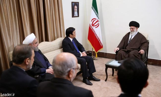 Presiden Truong Tan Sang menemui Ayatollah Ali Khamenei - ảnh 1