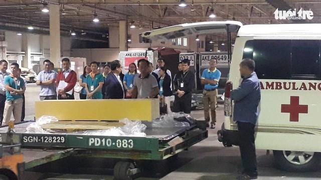 Les corps des trois touristes sont arrivés au Vietnam - ảnh 1