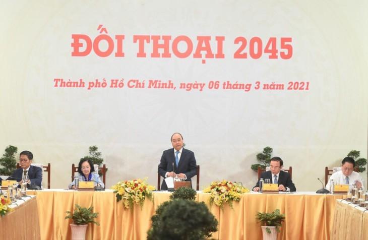 Nguyên Xuân Phuc appelle à édifier un Vietnam prospère d'ici à 2045 - ảnh 1