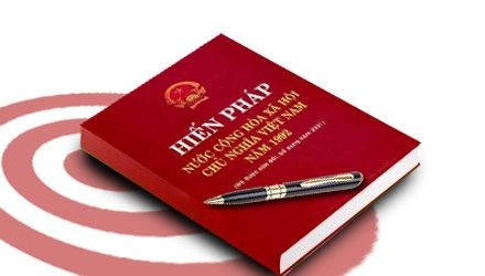 Parlament diskutiert zum letzten Mal Entwurf zur Verfassungsänderung - ảnh 1