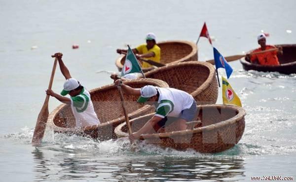 Meeresfestival Nha Trang 2015 wird 150.000 Touristen anziehen - ảnh 1