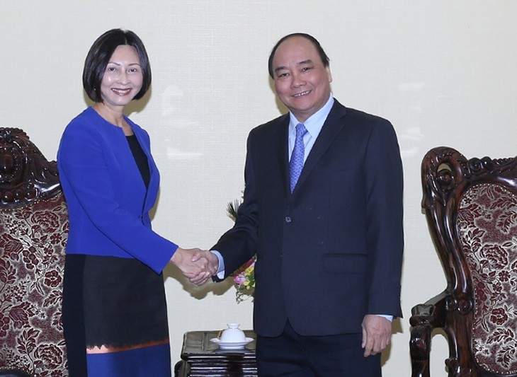 Nguyen Xuan Phuc trifft Exekutivdirektorin des singapurischen Konzerns Temasek - ảnh 1