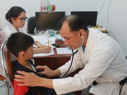 Hilfsfonds für Kinder der Provinz Dak Lak, Hoffnung der armen Kinder - ảnh 1