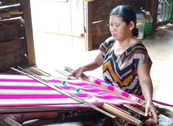 Bewahrung der Brokatweberei im Dorf Kmrong Prong A - ảnh 1