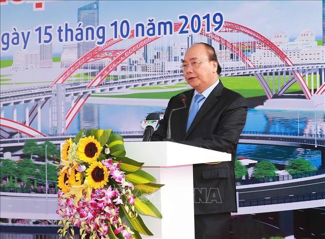 Premierminister Nguyen Xuan Phuc startet technische Verkehrsanbindung der Brücke Hoang Van Phu - ảnh 1