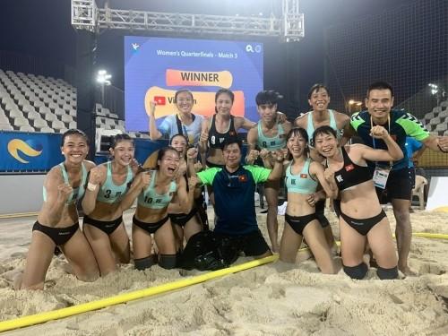 Die weibliche Beachhandball-Mannschaft Vietnams steht im Halbfinale bei World Beach Games 2019 - ảnh 1