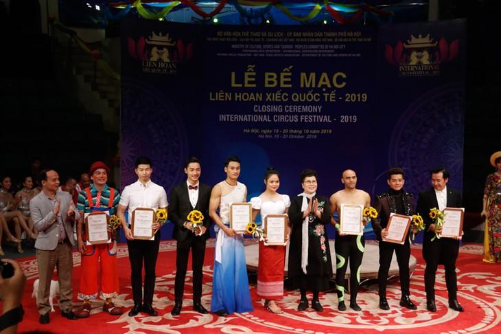 Abschluss des internationalen Zirkusfestivals 2019 - ảnh 1