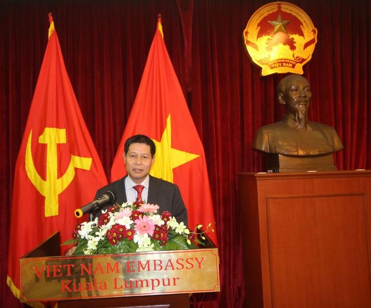 Vietnam unterstützt Botschafter in Malaysia, die regelmäßig zugleich auch in Vietnam sind - ảnh 1