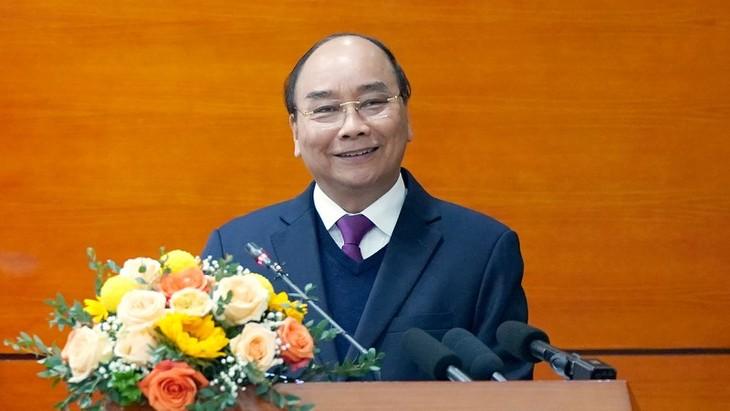 Premierminister Nguyen Xuan Phuc: Landwirtschaft soll die wichtigste Wirtschaftsbranche sein - ảnh 1