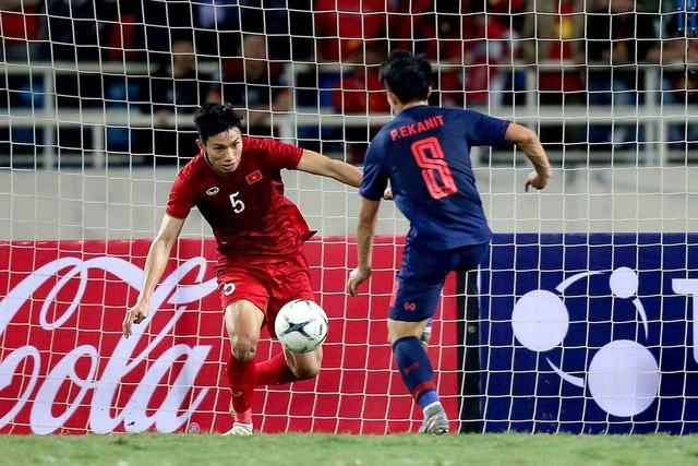 Verteidiger Doan Van Hau geht in die Geschichte des vietnamesischen Fußballs ein - ảnh 1