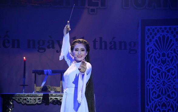 Start einiger Cai-Luong-Gesangswettbewerbe - ảnh 1